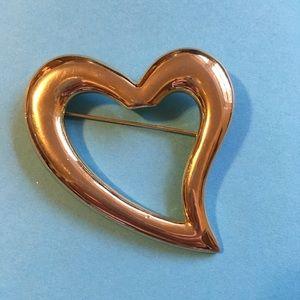 Jewelry - Gold Heart Brooch